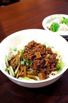Taiwanese zhajiang noodles