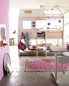 gorgeous kids room with bunk bed. Mooie kinderkamer met hoogslaper voor meisje