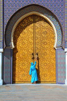 beautiful places Morocco is one of those countries that just intrigues and excites! I know that sounds so airy-fairy and wishy-washy but it's true! There's just something so special about visiting Morocco. With its stunning Arabesque architecture, Visit Morocco, Morocco Travel, Africa Travel, Restaurants In Paris, Islamic Architecture, Beautiful Architecture, Places To Travel, Places To Go, Travel Destinations