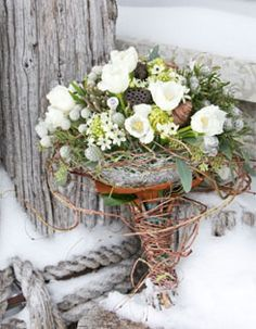 Awesome winter wedding flowers