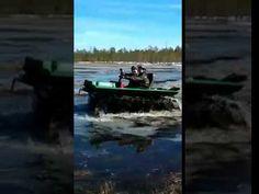 Вездеход Охотец по весеннему болоту в Архангельске