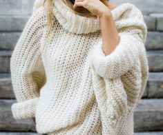 Wooly white Jumper. Loose turtle neck.