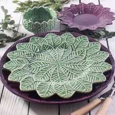 Clay Plates, Ceramic Plates, Ceramic Pottery, Pottery Art, Pottery Painting, Ceramic Painting, Dining Room Table Decor, Pottery Classes, Sculpture Clay
