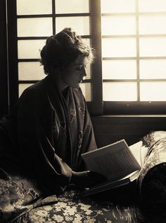 Mary Pickford reads a copy of Little Lord Fauntleroy in a moment of serenity. She would soon go on to star in a 1921 film adaptation of Frances Hodgson Burnett's classic children's novel.