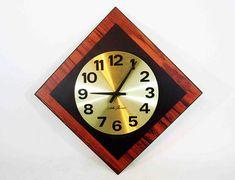 This Mid Century Seth Thomas Wall Clock was made in the 1960s. It has a great vintage design, perfect for any retro or mid century themed space. Measurements: 12 x 12 wide Condition: Overall good vintage condition, showing little wear from age or use. Runs on one C size battery. All items