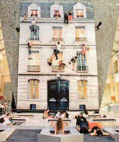 Bâtiment Mirrored Building by Leandro Erlich