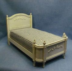 how to: shabby chic bed from cardstock, plus no sew mattress