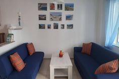 Wydzielony mini salon Gallery Wall, Studio, Home Decor, Crete, Decoration Home, Room Decor, Studios, Home Interior Design, Home Decoration