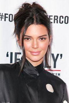 Kendall Jenner Estilo, Kendall Jenner Outfits, Kris Jenner, Kendall Jenner Hairstyles, Kylie Jenner Hair In Bun, Kendall Jenner Face, Kendall Jenner Maquillaje, Mandy Moore, Jenner Sisters