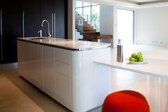 South Perth kitchen renovation by Retreat Design | Cabinetry from our Italian supplier Effeti: 'Evoluzione' + 'Sinuosa' kitchen collections #kitchen #design #kitchenrenovation