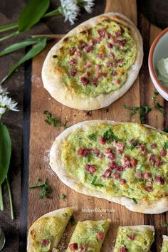 Dinette with wild garlic sour cream- Dinnete mit Bärlauch-Schmand Dinnete with wild garlic and ham - Paleo Recipes Easy, Vegan Breakfast Recipes, Healthy Dinner Recipes, Crockpot Recipes, Vegetarian Recipes, Wild Garlic, How To Eat Paleo, Food For A Crowd, Recipes For Beginners
