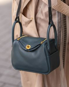 Hermes Lindy Bag, Minimalist Fashion, Bag Accessories, Style Me, Brand New, Handbags, Tote Bag, Purses, Christmas Nails