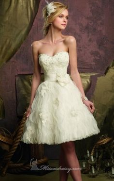 Short wedding dress on pinterest short wedding dresses for Short fluffy wedding dresses