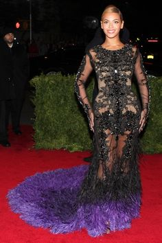 2012 – Beyoncé in Givenchy Haute Couture by Riccardo Tisci