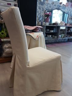 La sedia vestita a festa