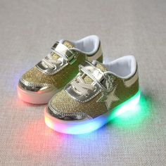 The New Coconut Light Shoes Children Breathable Weaving Board Shoes Led Light Shoes Wholesal Men's Shoes