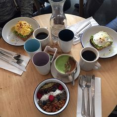 Matcha Latte und Acai Bowl im Two Hands Café: Anna Wilken berichtet aus New York