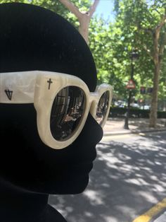 753cabc6c43 Modelo de la colección A dead Coffin de Valley Eyewear · EyewearMaking A  DifferenceGlassesModelSunglassesEyeglasses · Optica Gran Vía BarcelonaValley  ...