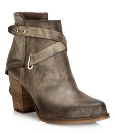 LILLA - BrownsShoes