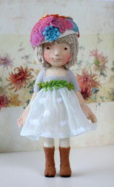 *NEEDLE FELT ART ~ Yoomoo - felted doll