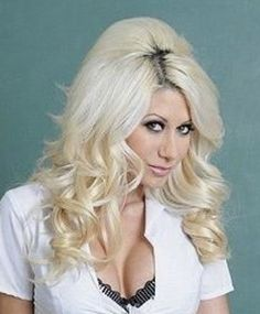 Blonde With Dark Roots, Bleach Blonde Hair, Teased Hair, Medium Curly, Extreme Hair, Hair Color Highlights, Bleached Hair, Retro Hairstyles, Big Hair
