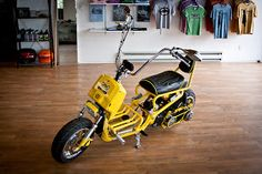 Grape Street Garage: Photos and specs on the Honda Ruckus we are raffling off on OCT ! Honda Motorbikes, Honda Ruckus, Vespa Scooters, Mini Bike, Tricycle, Cars And Motorcycles, Baby Strollers, Specs, Garage