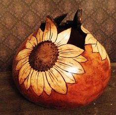Gooseberry Lane Gourds: Kansas Day = Sunflowers – My All Pin Page Decorative Gourds, Hand Painted Gourds, Kansas Day, Gourds Birdhouse, Wood Burning Patterns, Gourd Art, Nature Crafts, Pyrography, Craft Gifts