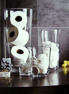 Não é todo mundo que tem um armário no lavabo para guardar papel higiênico extra. É muito chato quando você está na casa de alguém e vê que ...