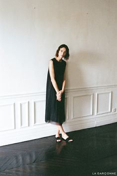 Fashion Story: The Interlude The Row / Vurse Dress Woman by Common Projects / Slide Sandal
