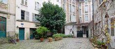 Outer courtyard, Cour de Rohan