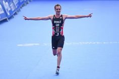 Alistair Brownlee says the lure of winning double gold in Tokyo could see him race on in Olympic triathlon to 2020