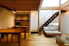床はオークの無垢材。 壁はシックイ塗り。 . シンプルでぬくもりが感じられる空間に。 . #ひかり工務店 #工務店 #大阪府 #大阪府豊中市 #豊中市 #リビング#オーク#無垢材#シックイ #しっくい塗り#天井#立体 #無垢 #新築 #マイホーム #myhome #一戸建て #戸建て住宅 #住宅 #家 #注文住宅 #自由設計 #家づくり #家族 #マイホーム計画 #暮らし#住まい#建築 #施工事例#インテリア
