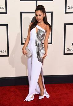 <P>Ariana Grande ging voor wit en zilver met uitsparingen, en dat creëerde een originele cleavage.