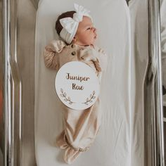 Fantastic baby nursery tips are offered on our website. look at this and you wont be sorry you did. Third Baby, First Baby, After Baby, Fantastic Baby, Pregnant Mom, Baby Needs, Baby Hacks, Baby Sleep, Baby Fever