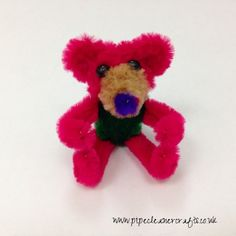 pipe cleaner bear - pipe cleaner animals. by http://www.pipecleanercrafts.co.uk/#!bear-video/c4bc