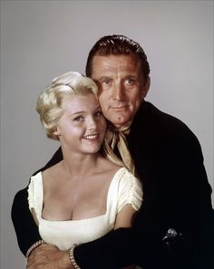 Photo: El Perdido (The Last Sunset) by Robert Aldrich with Carol Lynley and Kirk Douglas, 1961 (photo) : Kirk Douglas, Peter Douglas, Douglas Michael, Hollywood Stars, Golden Age Of Hollywood, Classic Hollywood, Classic Movie Stars, Classic Movies, Actors Height