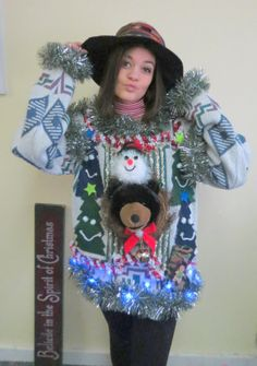 3-D Bear Head Totem Ugly Chrismtas Sweater Wild Garland Light UP Womens Mens size xl Free Shipping