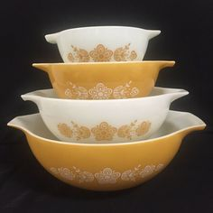 Vintage Pyrex Butterfly Gold Cinderella Mixing Bowls Set Of 4 Nesting 441 to 444  | eBay