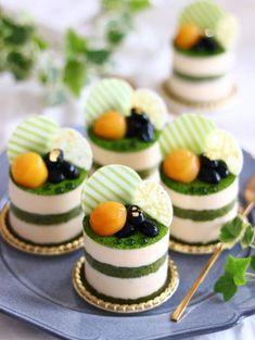 Matcha tea tiramisu 46 no bake dessert recipes that you can make in no time Mini Desserts, Gourmet Desserts, Plated Desserts, Delicious Desserts, Yummy Food, Healthy Desserts, Gourmet Foods, Tea Recipes, Cake Recipes
