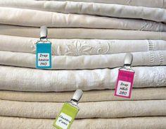 http://organizen.fr/ #Organisation #Linge Clippez, notez, rangez et retrouvez votre linge de maison en un clin d'œil grâce aux pinces étiquettes personnalisables.