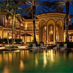 Fabulous luxury mansion in Naples Florida. The waters reflection makes the estate look like a resort!