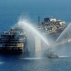 Costa Concordia Departs From Giglio: Live at the Scene : DNews