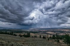 A massive storm rolling over Yellowstone National Park. [OC] [20001333] #reddit