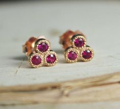 Tiny amethyst crystal earrings with mini rough crystal slices, stud jewelry has never been so stunning. Set into your choice of handcrafted gold fill, rose gold fill or sterling silver studs with Mens Gold Jewelry, Clean Gold Jewelry, Copper Jewelry, Unique Jewelry, Diamond Jewelry, Nautical Jewelry, Jade Jewelry, Copper Wire, Luxury Jewelry
