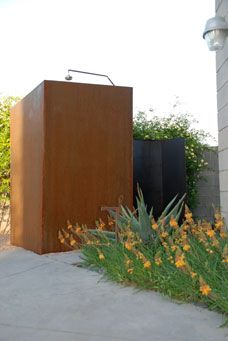 Such a well designed outdoor shower enclosure.
