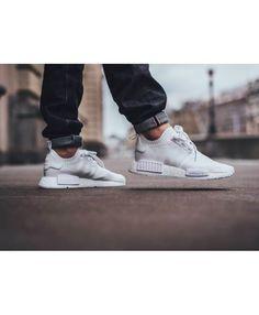 uk laden billigen verkauf adidas nmd r1 schwarz auf die füße, sie können einen blick