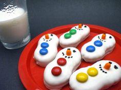 Snowman Cookies. Also see these butter butter polar bears http://www.pinterest.com/pin/333899759844533888/  #peanutbutter #cookies #christmas