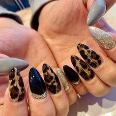 秋/オールシーズン/デート/女子会/ハンド - privatenailsalon one on oneのネイルデザイン[No.3712192]|ネイルブック Fancy Nails, Gold Nails, Diy Nails, Leopard Nails, Manicure E Pedicure, Cool Nail Designs, Nail Inspo, Salons, Hair Beauty