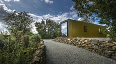 PBA Studio - Patrick Bradley Architects Corrugated Tin, Timber Buildings, Container Architecture, Water House, Vernacular Architecture, Grand Designs, Concrete Floors, Cladding, Outdoor Spaces