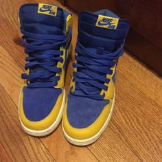 nike ones ✔️ color blue & yellow no box GREAT CONDITION no sole inside Nike Shoes
